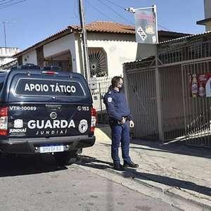 Em pico de pandemia, fiscais vão às ruas contra comércio ...