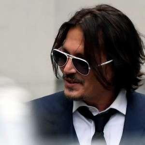 Johnny Depp nega ter agredido ex-mulher por causa de tattoo