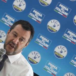 Após cobrar reunião, Salvini rejeita convite de Conte