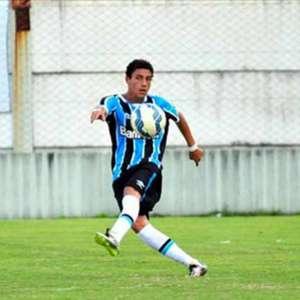 Clubes da Itália observam a contratação de meio-campista do Grêmio