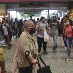 Brasil registra 1.220 mortes por covid-19 em 24 horas