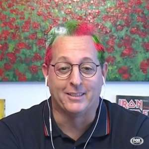 Aposta paga! Benja pinta cabelo após acreditar em derrota do Fluminense