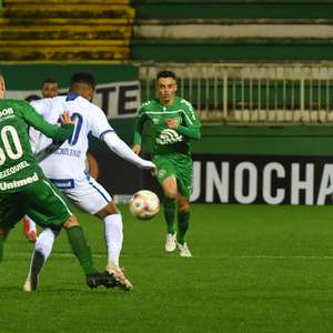 Chapecoense vence Avaí na ida das quartas do Catarinense