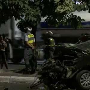 Acidente de carro deixa dois mortos e três feridos em SP