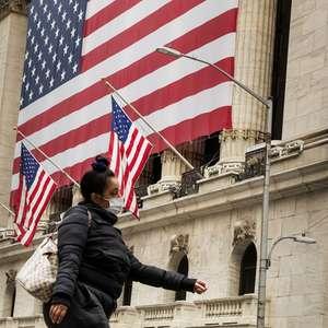 EUA batem recorde de casos de covid-19 pelo 3º dia seguido