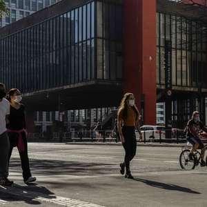 São Paulo apresenta tendência de alta de mortes e casos