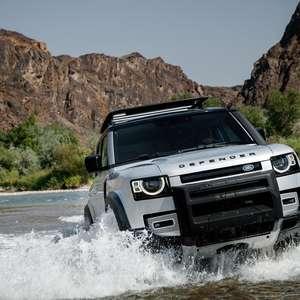 Novo Land Rover Defender estreia no Brasil por R$ 400.750