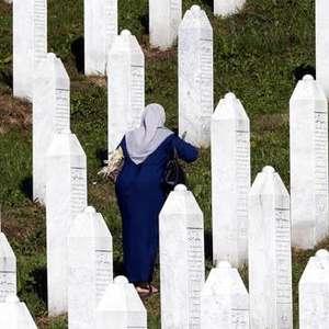 Bósnia relembra 25 anos do massacre de Srebrenica