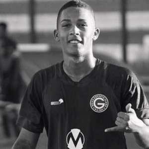 Jogador sub-17 do Goiás morre em acidente de moto