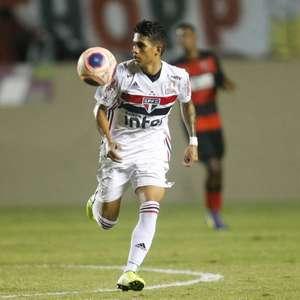 Ainda sem receber pela preferência, São Paulo espera vender Maia ao Barcelona até quarta
