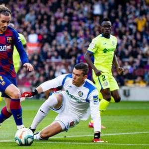 Barcelona confirma lesão de Griezmann, que pode ficar de ...