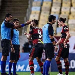 """Gabigol lamenta ficar fora da final: """"Desrespeito"""""""
