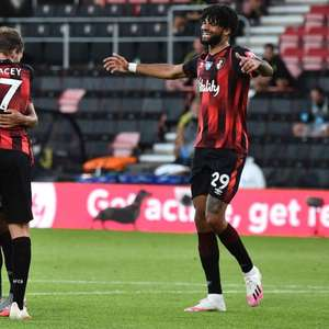 Leicester sai na frente, mas vê Bournemouth golear na ...