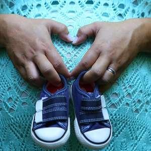 Efeitos da covid-19 no acesso a pílulas, pré-natal e vacinas matarão milhares de mães e crianças, diz relatório