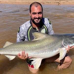 Danilo posta foto de pescaria em rede social e corintianos provocam rival