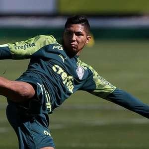Livre para treinar no Palmeiras, Rony tem chance de ...