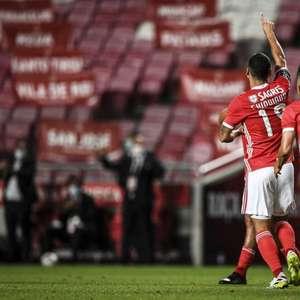 Benfica vence o Vitória de Guimarães e ainda sonha com o ...