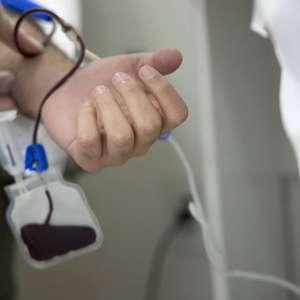 Carreta itinerante faz coleta de sangue para incentivar ...