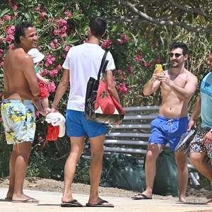 Djokovic aparece em praia sem máscara e sem distanciamento
