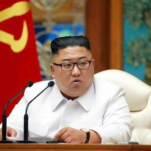 Coreia do Norte declara alerta após caso suspeito de covid