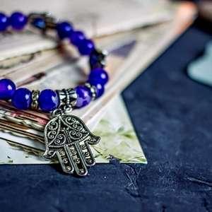 Conheça os amuletos de cada signo e atraia proteção para ...