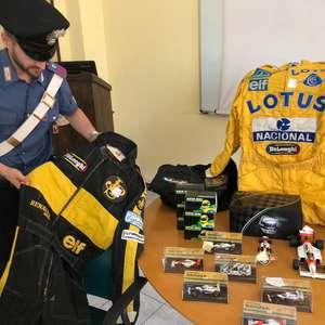 Polícia recupera mais de 300 itens de coleção de Senna