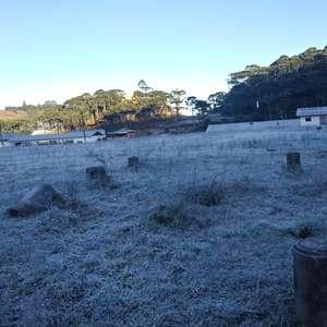 Amanhecer gelado com 7°C negativos na serra catarinense