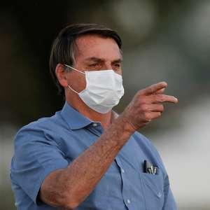 """Bolsonaro diz ter """"mofo no pulmão"""" após superar covid-19"""
