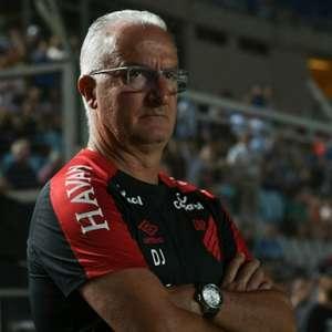 'Vamos aguardar', disse Dorival sobre possível desfalque para a final do Paranaense
