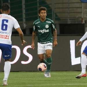 Com gols no fim, Palmeiras elimina Santo André e vai à semi