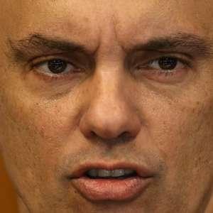 Moraes determina bloqueio mundial de contas de bolsonaristas no Twitter e Facebook