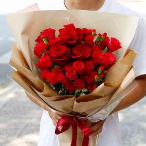 Rosa: Como Cuidar, Significado da Flor e +74 Arranjos ...