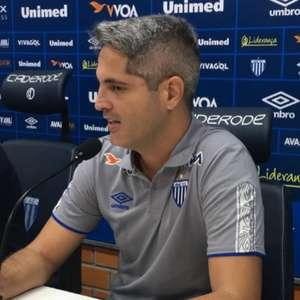 Rodrigo Santana não é mais técnico do Avaí