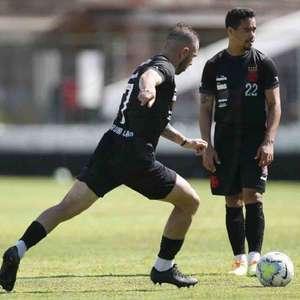 Ramon intensifica treinos e bola parada vira arma do Vasco