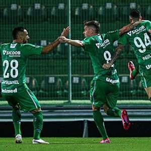 Chapecoense derrota o Criciúma no primeiro confronto da semifinal do Catarinense
