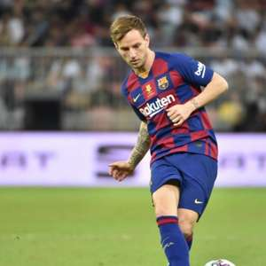 Arsenal se mostra interessado no meia Ivan Rakitic, do ...