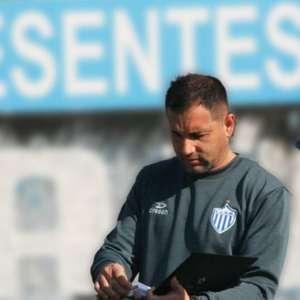 Após eliminação para Grêmio em semifinal, técnico Márcio Nunes se despede do Novo Hamburgo