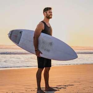 Chris Hemsworth vai mergulhar com tubarões para o canal ...