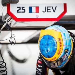Vergne vai a Berlim com pintura do capacete em homenagem ...