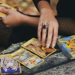 Conheça os mitos e as verdades sobre o tarot