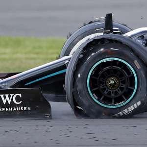 Simbólica, vitória de Hamilton com três pneus é épica e só hecatombe tira título