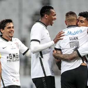 Com time titular encaixado, Corinthians embala antes da ...