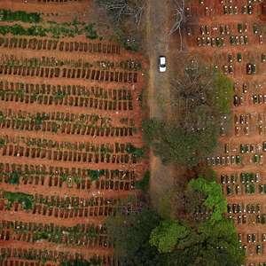 Brasil fica perto de 100 mil mortes e 3 mi de infectados