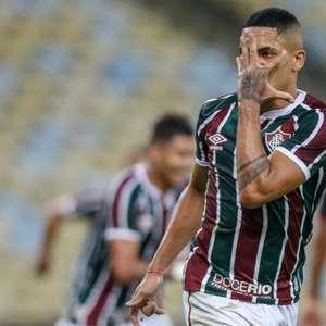 Fluminense recebe proposta do Benfica pelo lateral-direito Gilberto