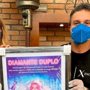 Luísa Sonza recebe certificado de Diamante Duplo da ...