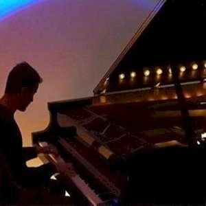 Pianista Jean-Phillippe Riopy se apresenta no festival ...