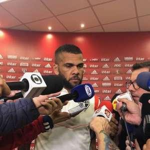 Daniel Alves tenta contagiar o São Paulo para não passar temporada em branco pela primeira vez em anos