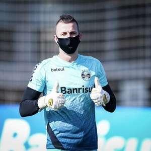Paulo Victor relembra estreia com a camisa do Grêmio: ...