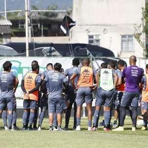 Vasco paga junho e quita dívida com jogadores; confira os débitos do clube com os funcionários