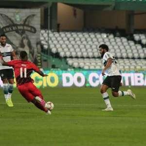 De virada, Athletico supera o Coritiba e é tricampeão do Paranaense